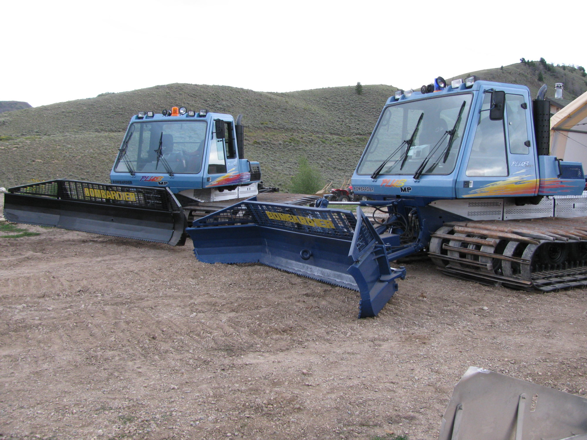 Bombardier skidozer Photo and Video Review  Comments