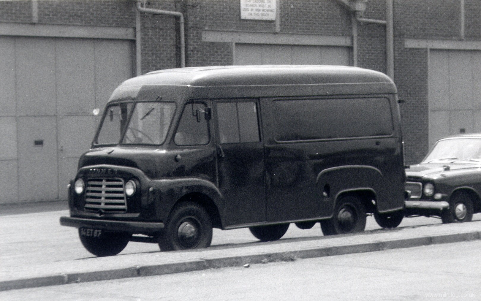 Commer bf