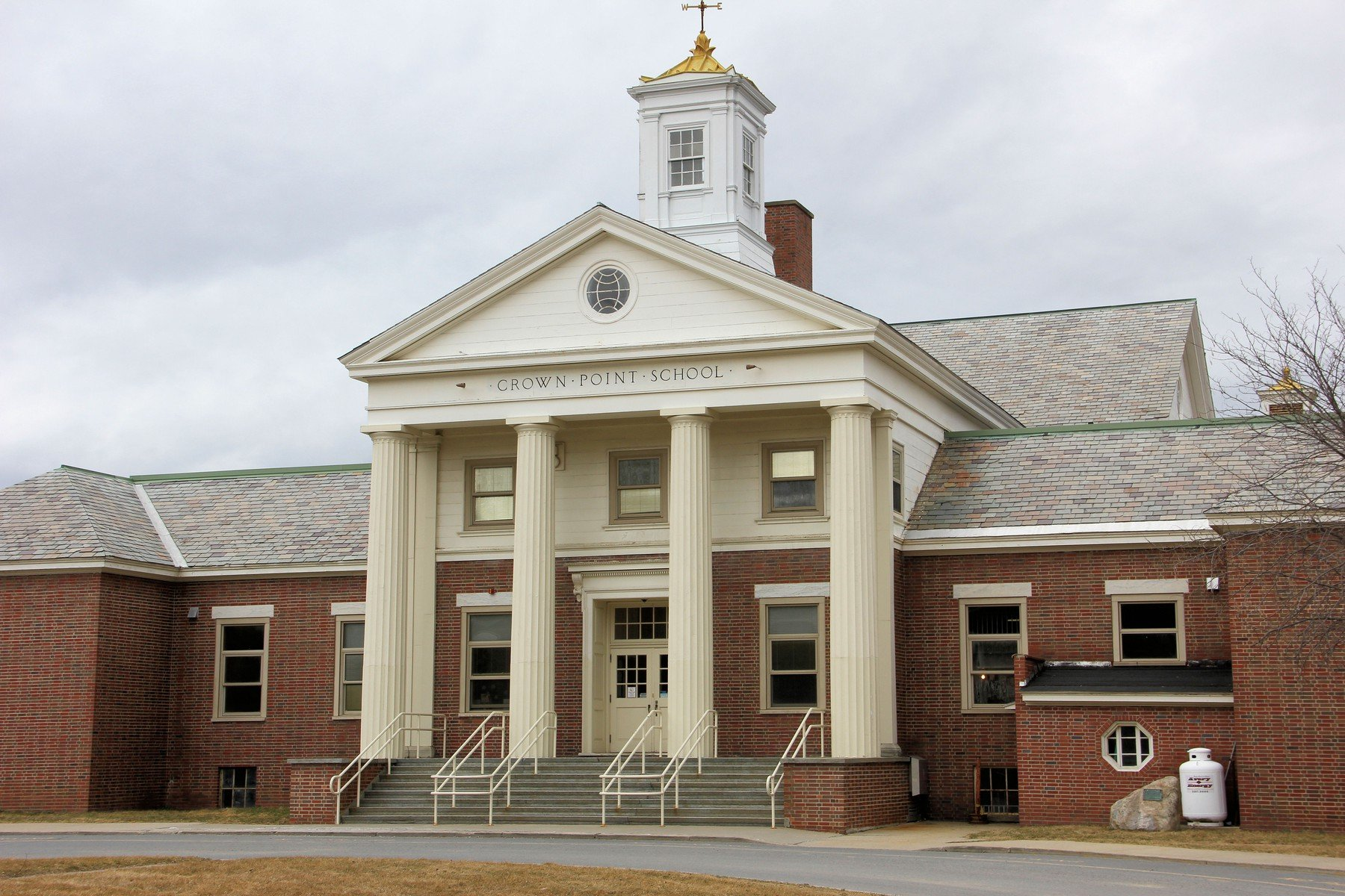 Crown school