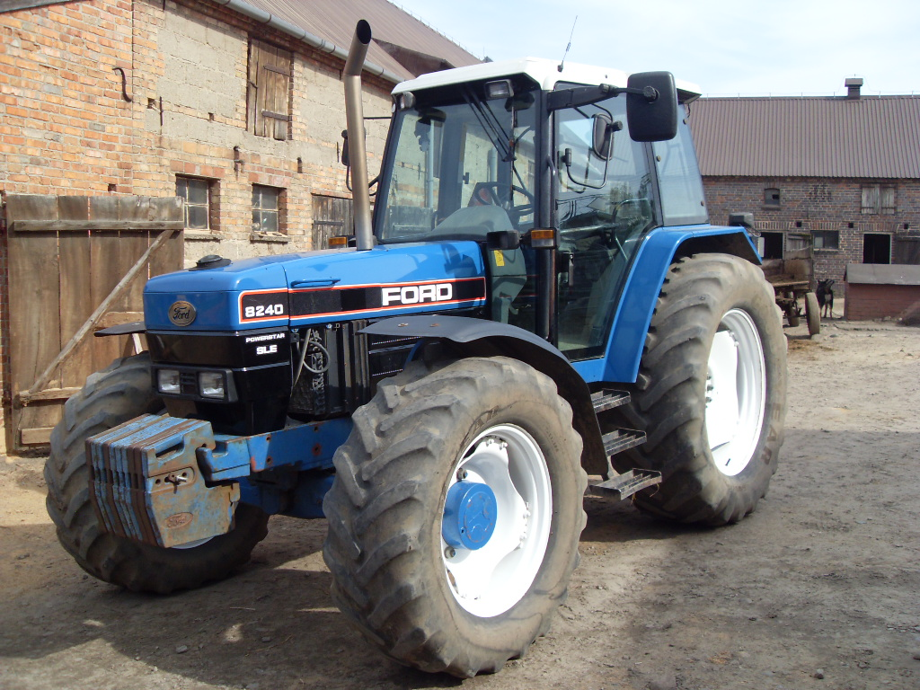 Ford 8240