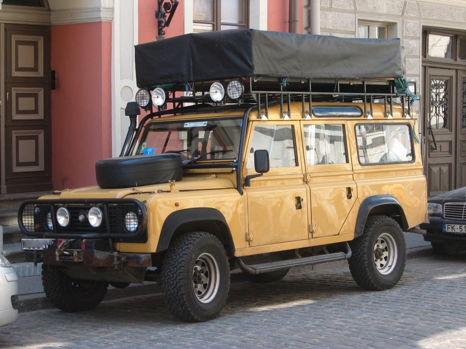 Land rover station