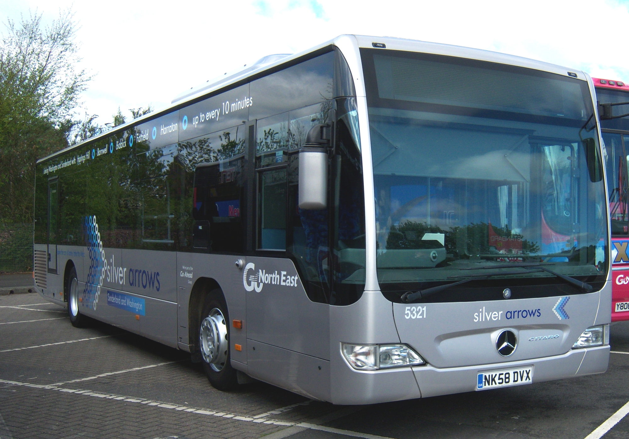 Mercedes-benz bus