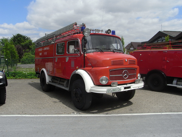 Mercedes-benz laf