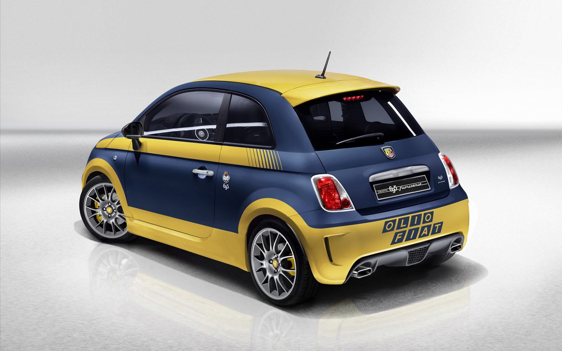 Abarth 695 photo - 4