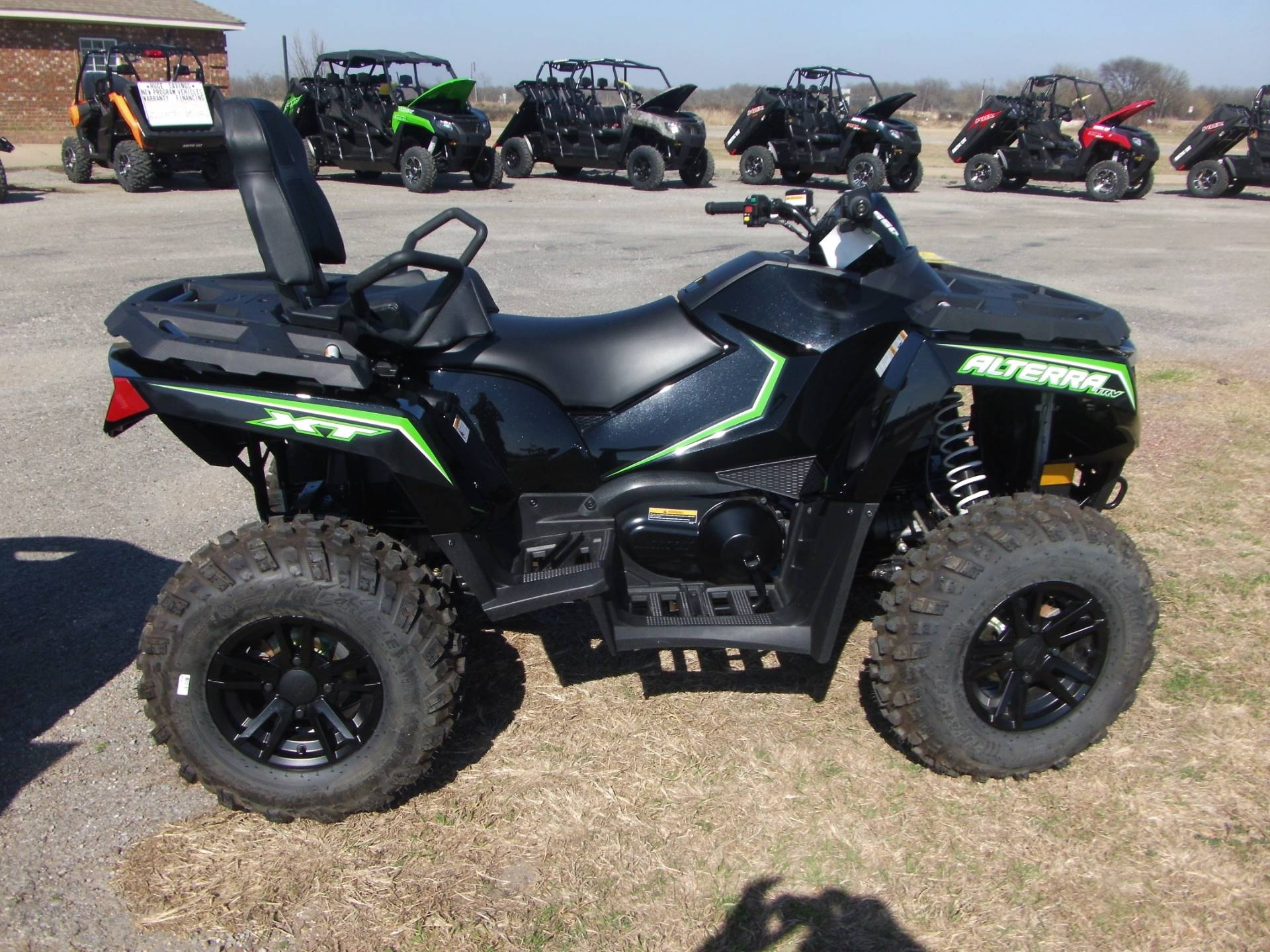 Arctic cat 550 photo - 7