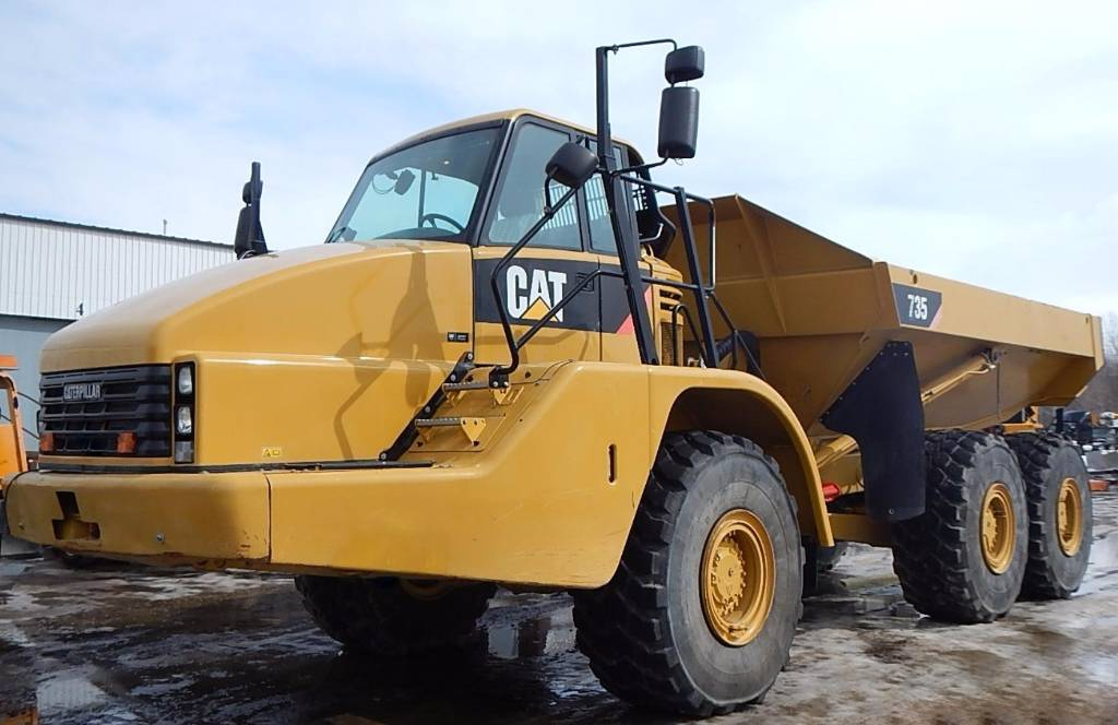 Caterpillar 735 photo - 8