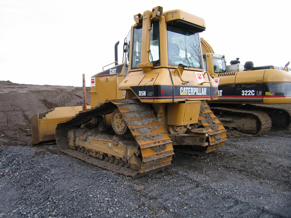 Caterpillar d5 Photo and Video Review  Comments