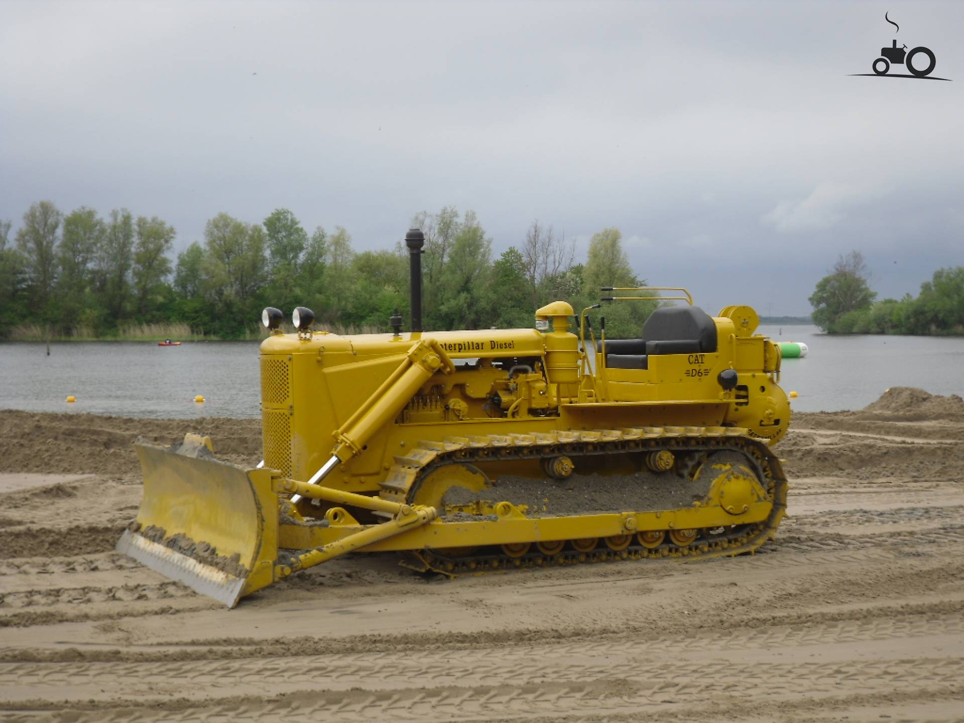 Caterpillar d6 photo - 10