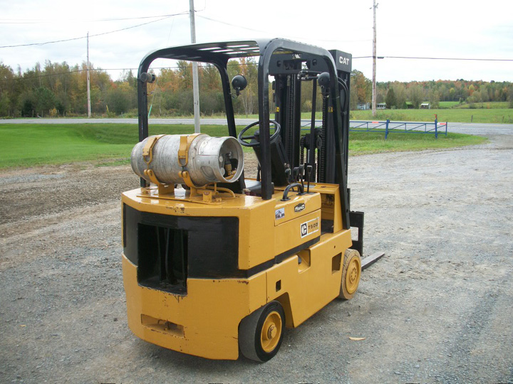 Caterpillar t50d photo - 2