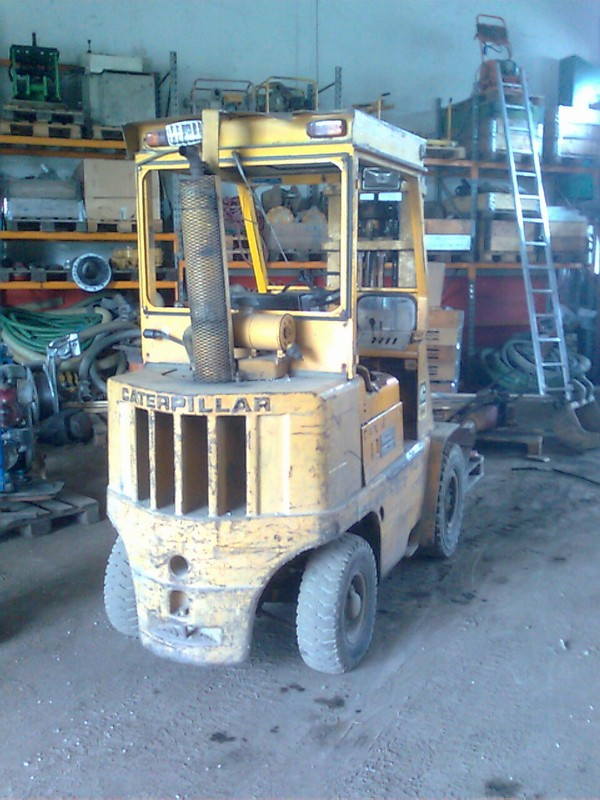 Caterpillar v50b photo - 3