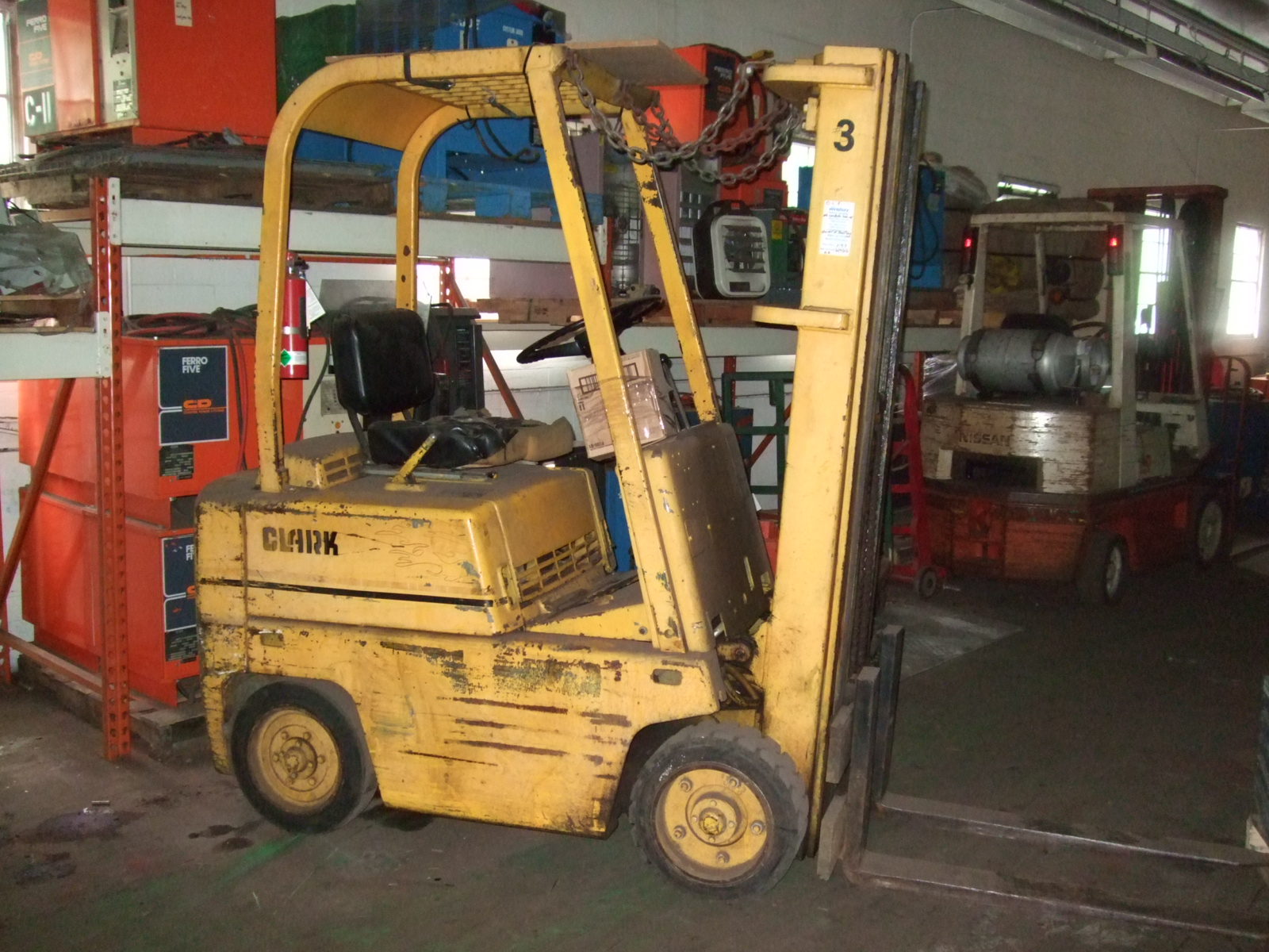 Clark forklift photo - 3