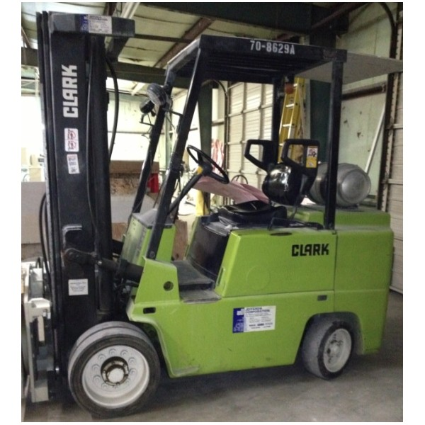 Clark forklift photo - 8
