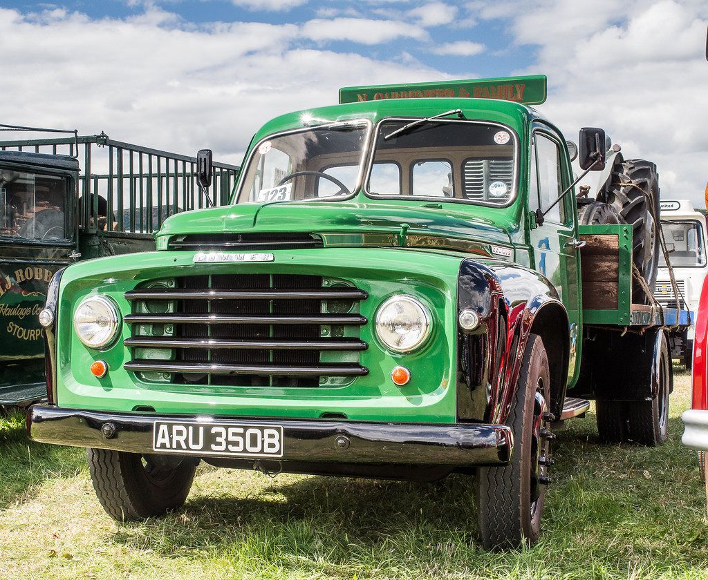 Commer superpoise photo - 1
