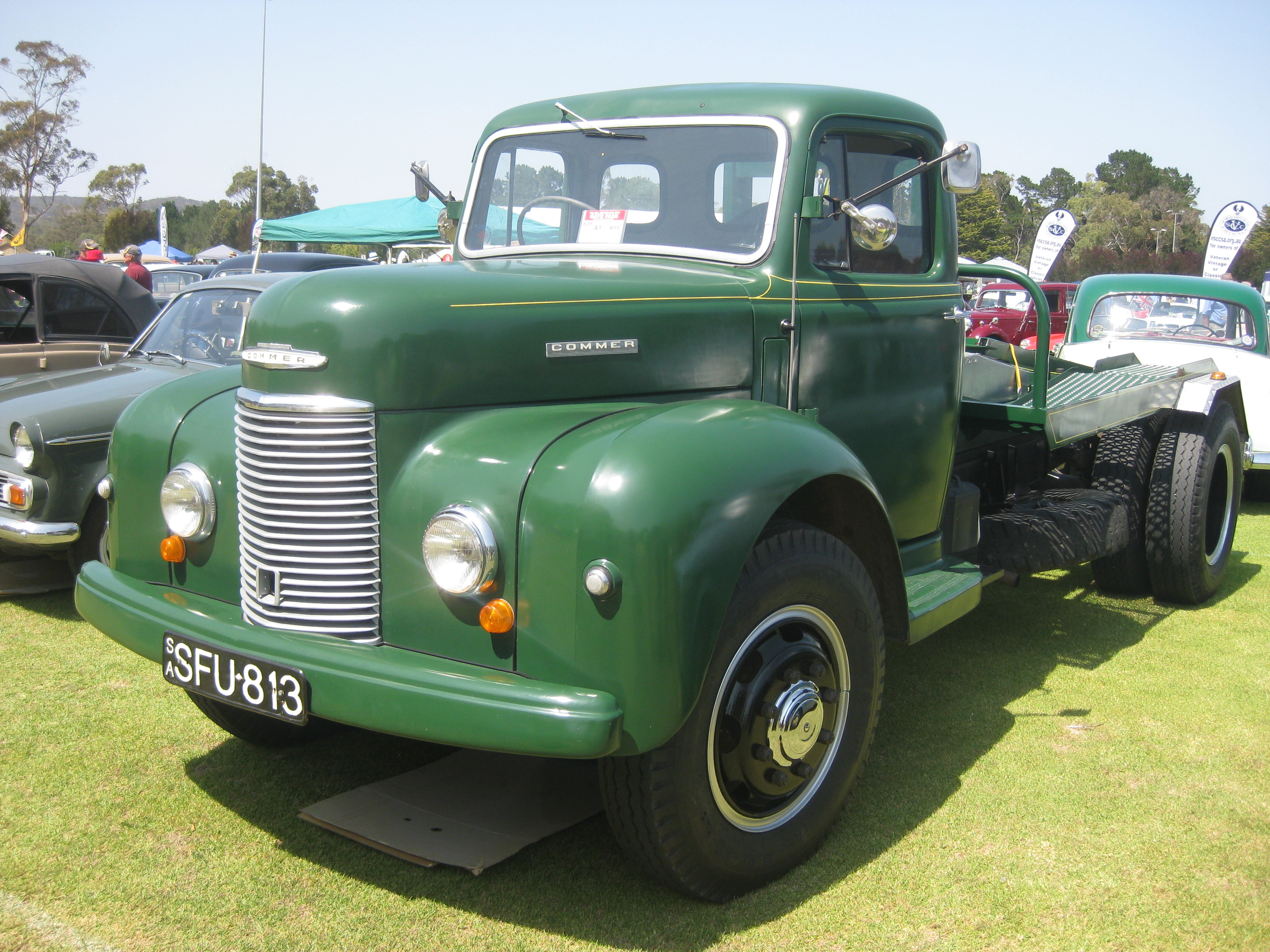 Commer superpoise photo - 6