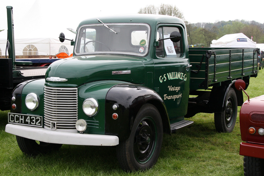 Commer superpoise photo - 8