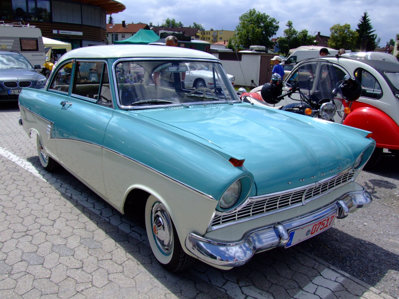 Ford 17m photo - 5