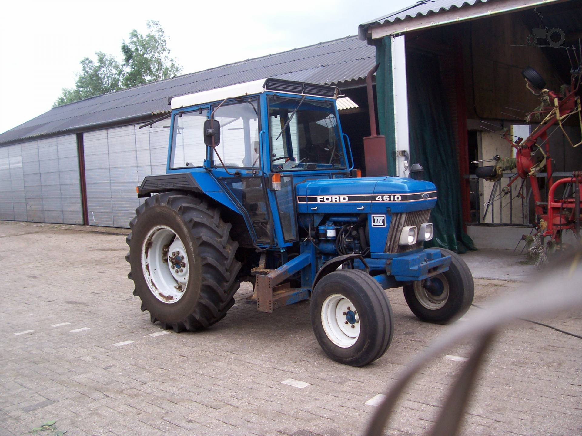 Ford 4610 photo - 2