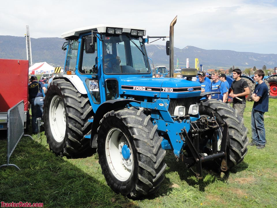 Ford 7810 photo - 1