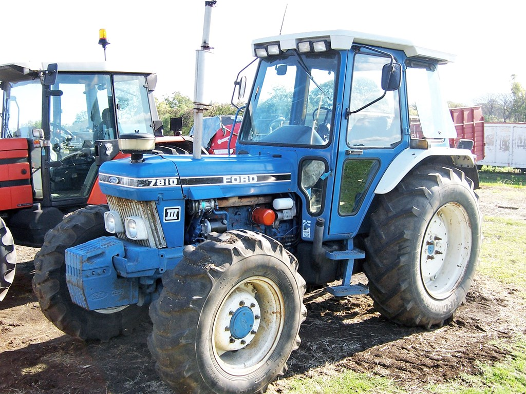 Ford 7810 photo - 10