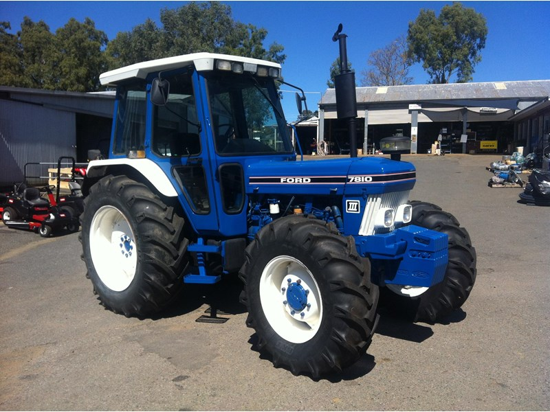 Ford 7810 photo - 5
