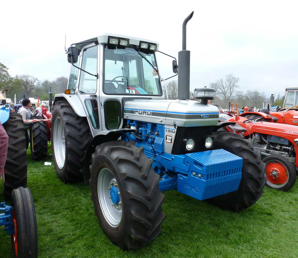 Ford 7810 photo - 9