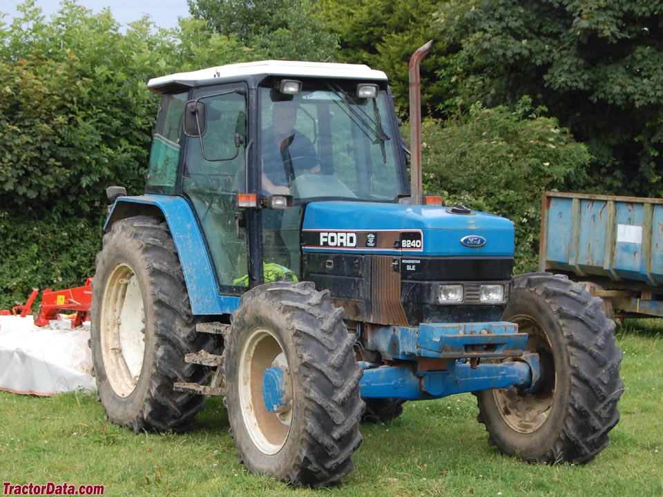 Ford 8240 photo - 10