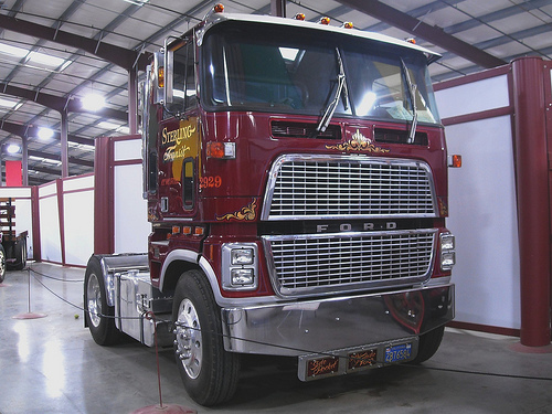 Ford cl9000 photo - 5