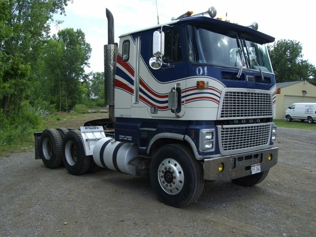 Ford cl9000 photo - 6