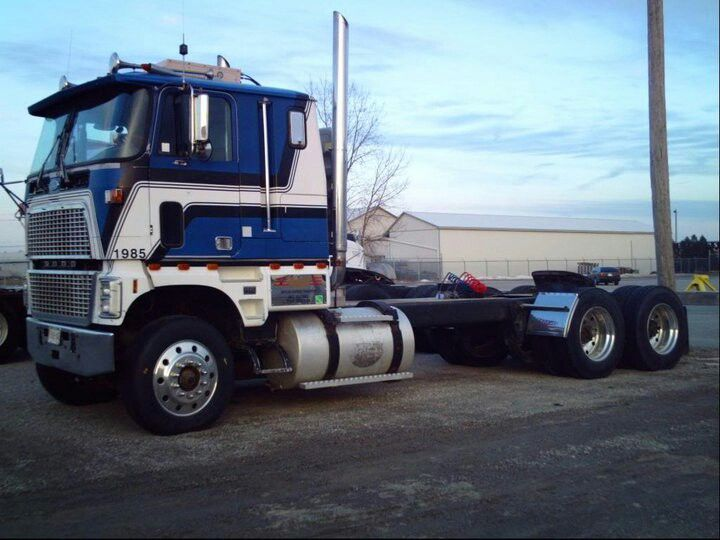 Ford cl9000 photo - 7