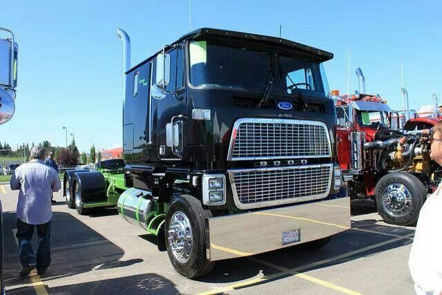 Ford cl9000 photo - 8