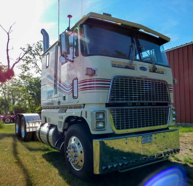 Ford cl9000 photo - 9