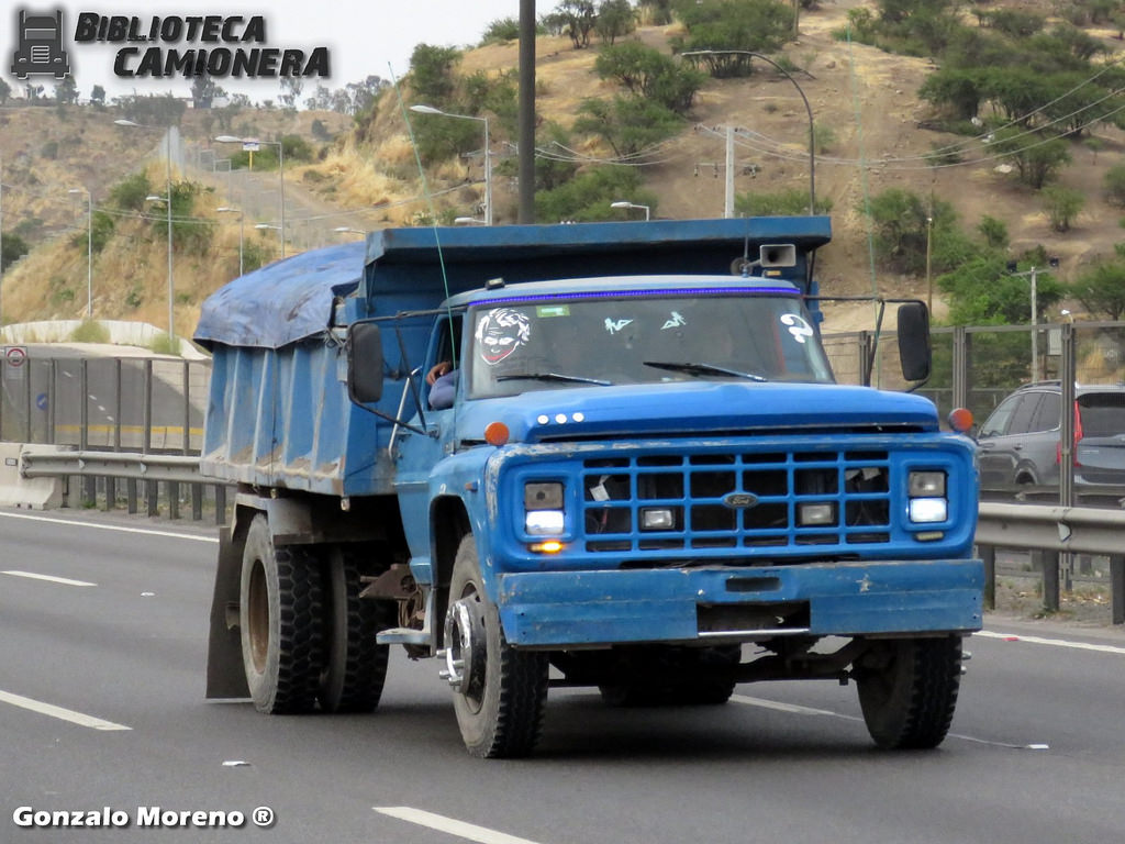 Ford f-14000 photo - 5