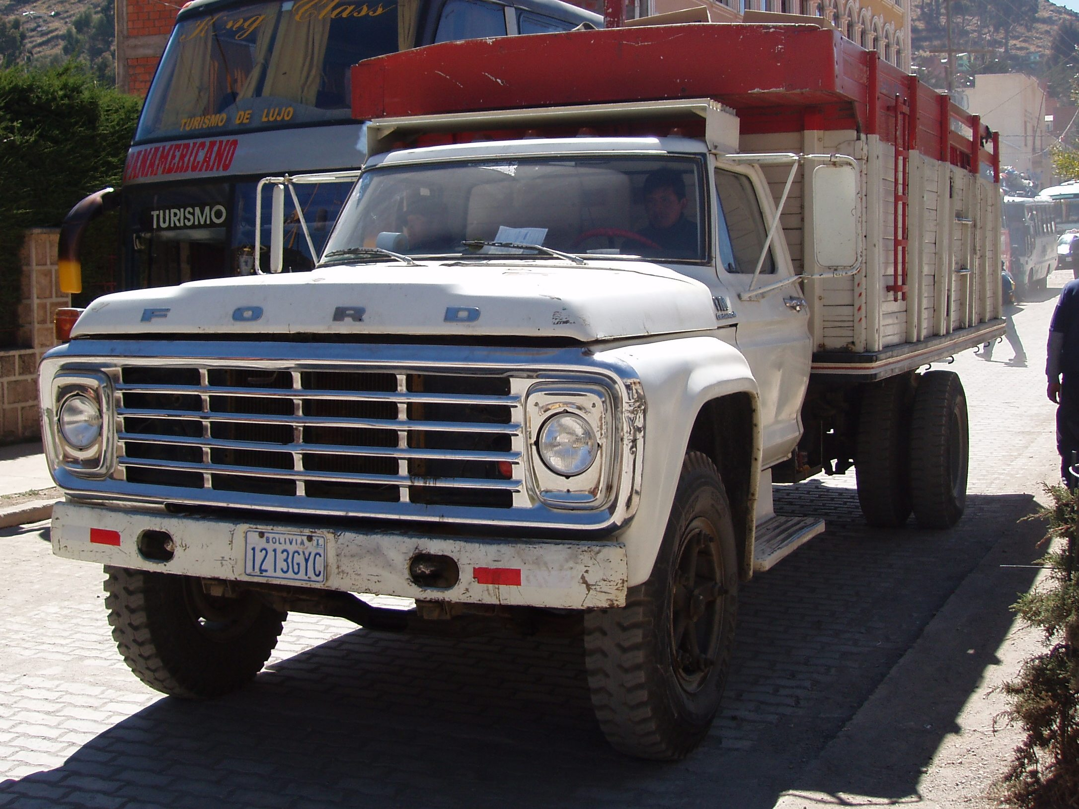 Ford f-700 photo - 5