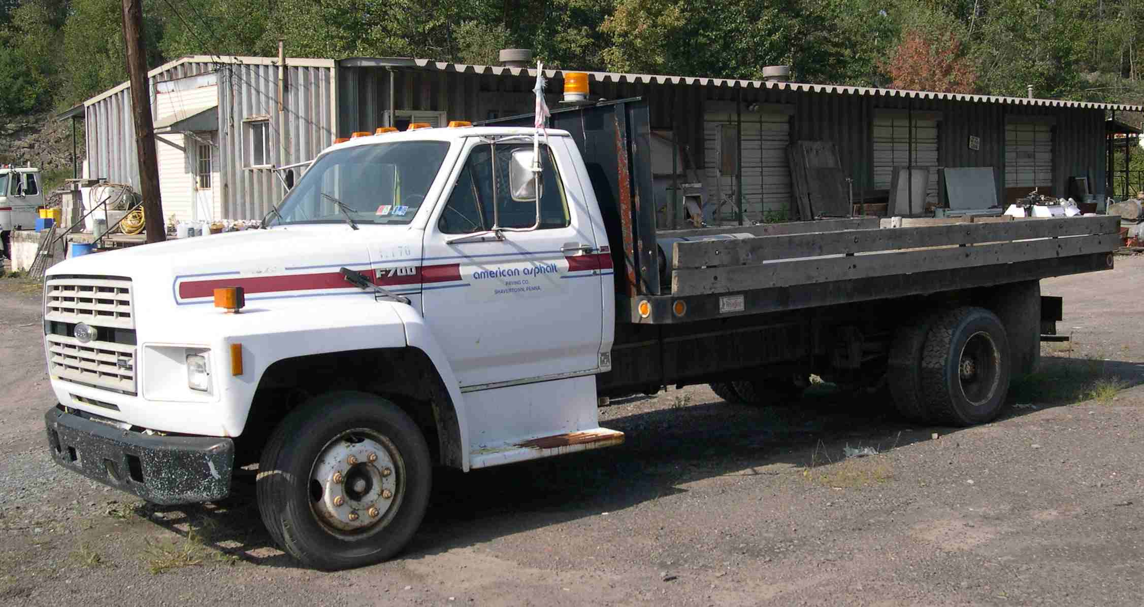Ford f-700 photo - 8
