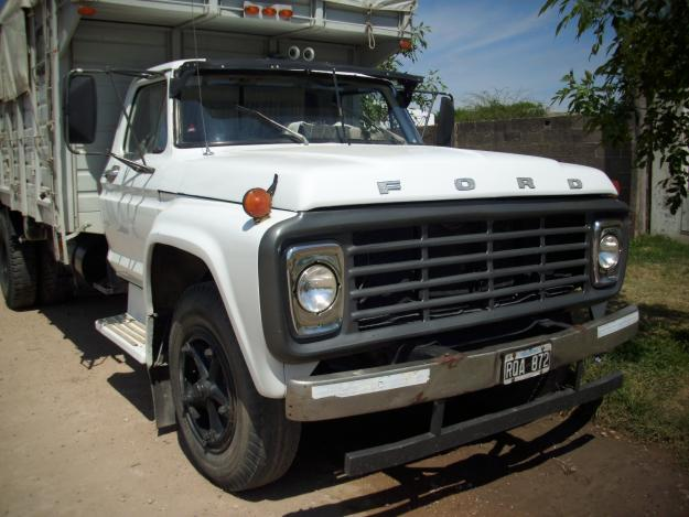 Ford f-7000 photo - 2