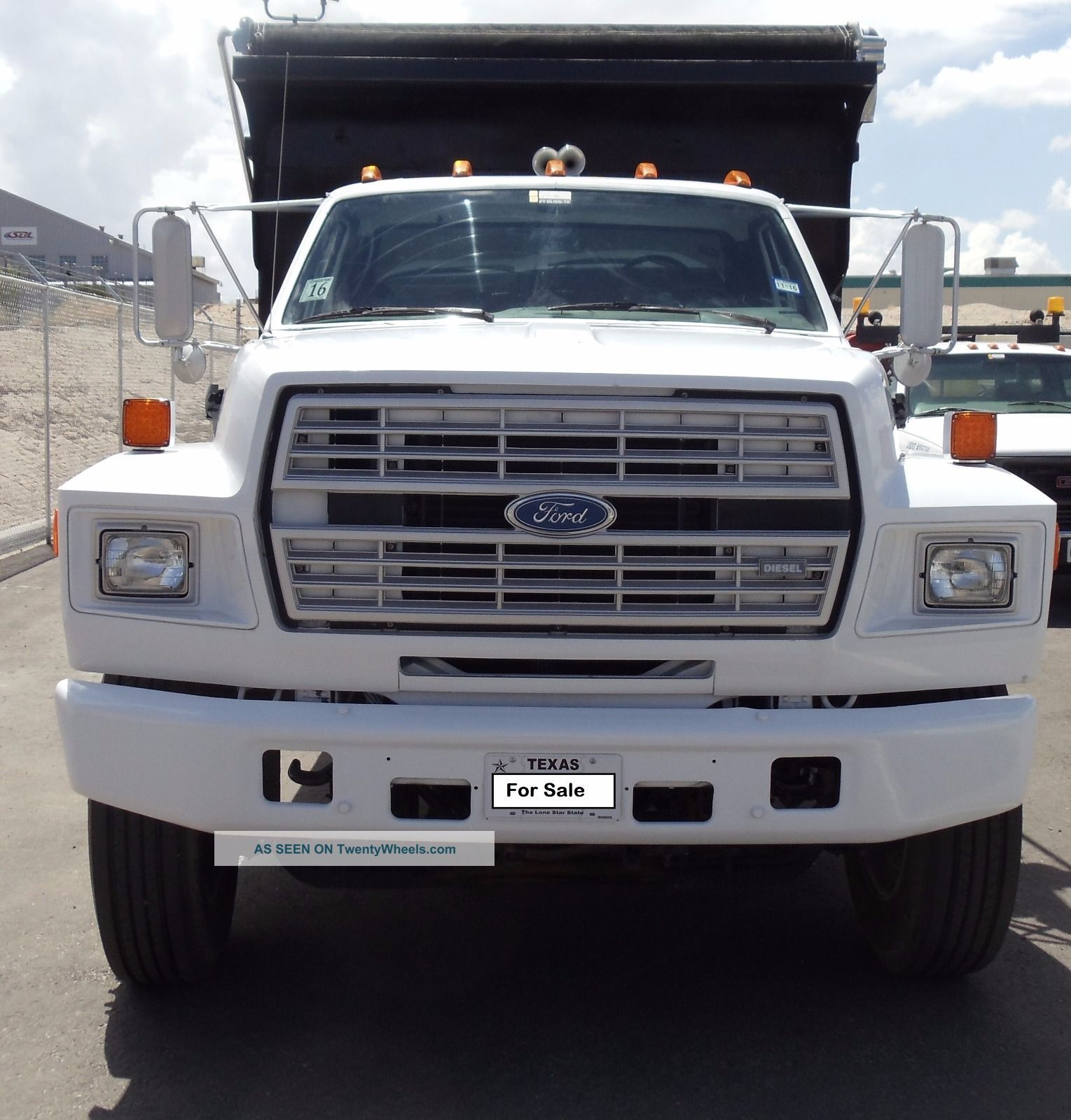 Ford f-7000 photo - 5