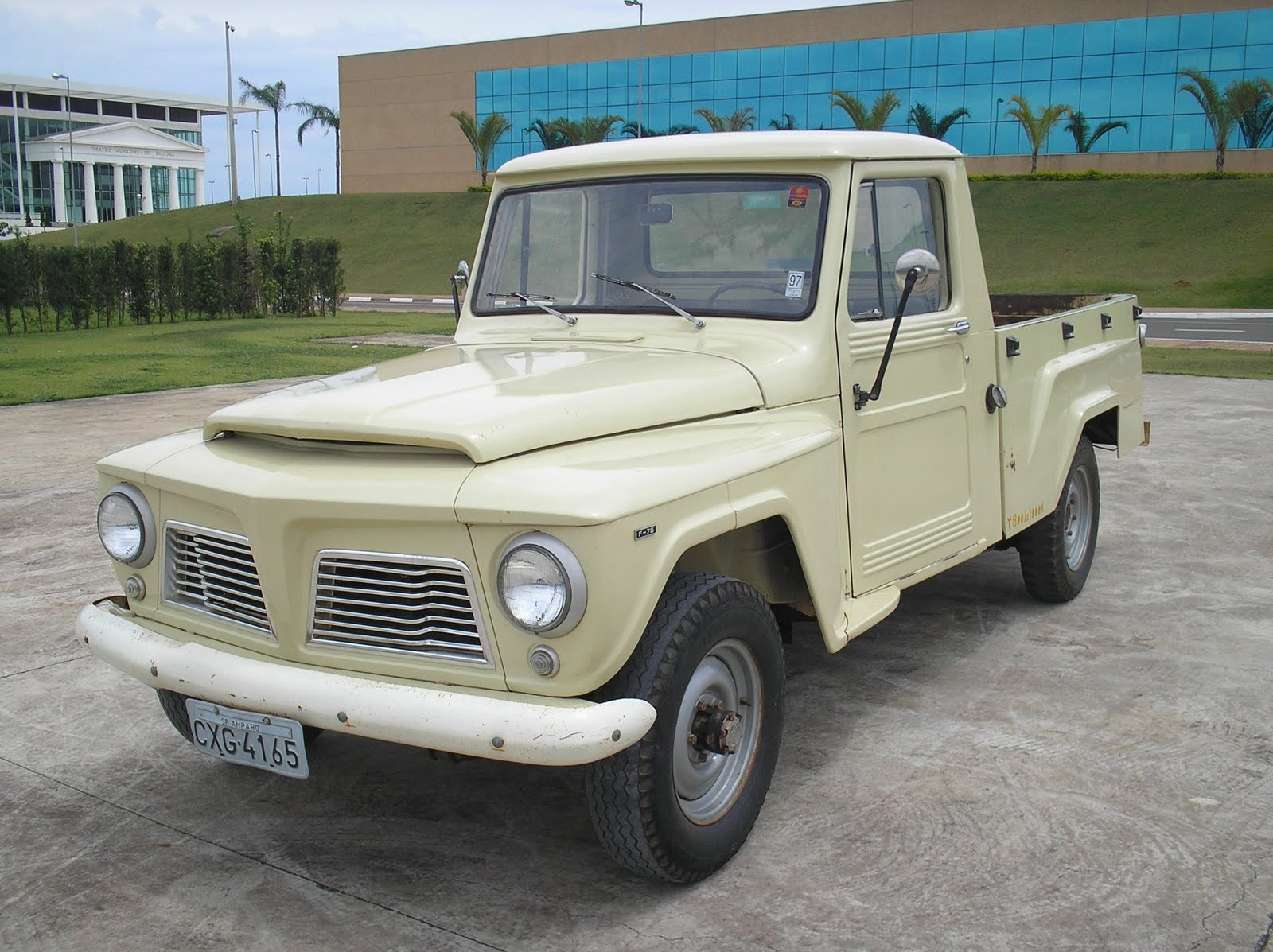 Ford f-75 photo - 3