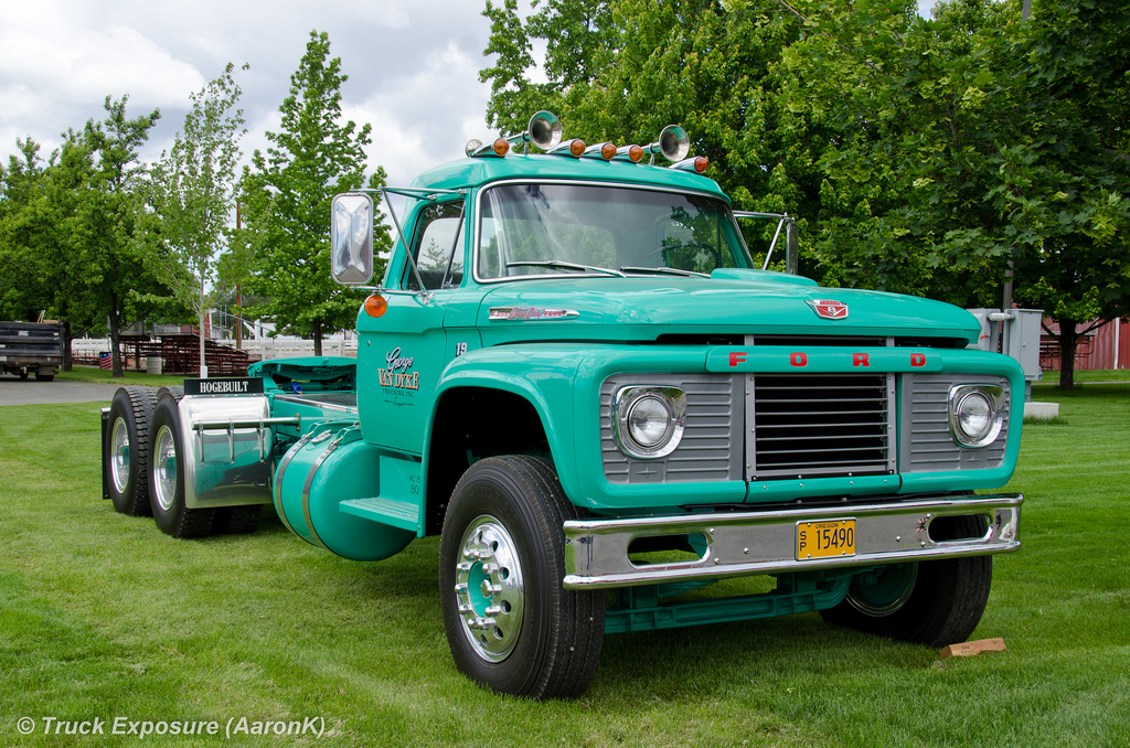 Ford f-850 photo - 5