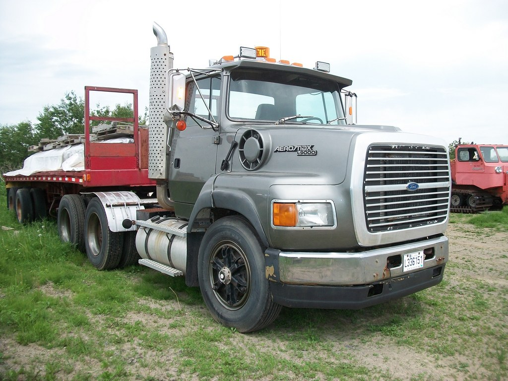 Ford l-9000 photo - 5