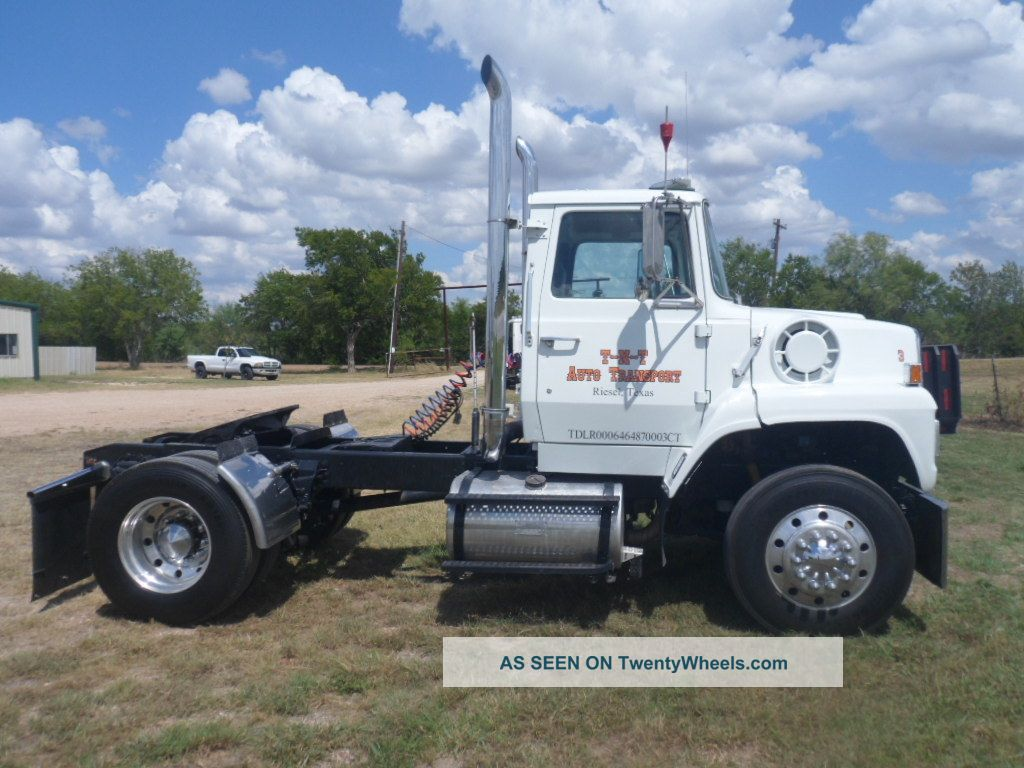 Ford l-9000 photo - 9