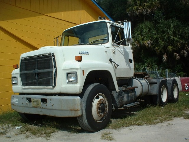 Ford l9000 photo - 4