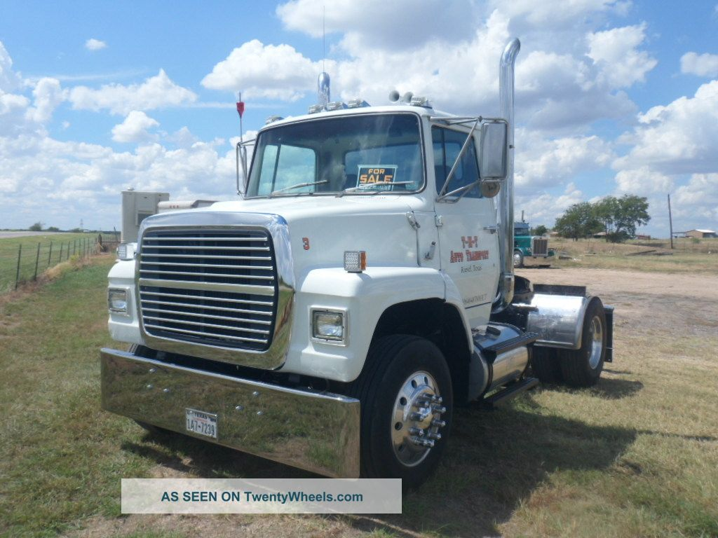 Ford l9000 photo - 5