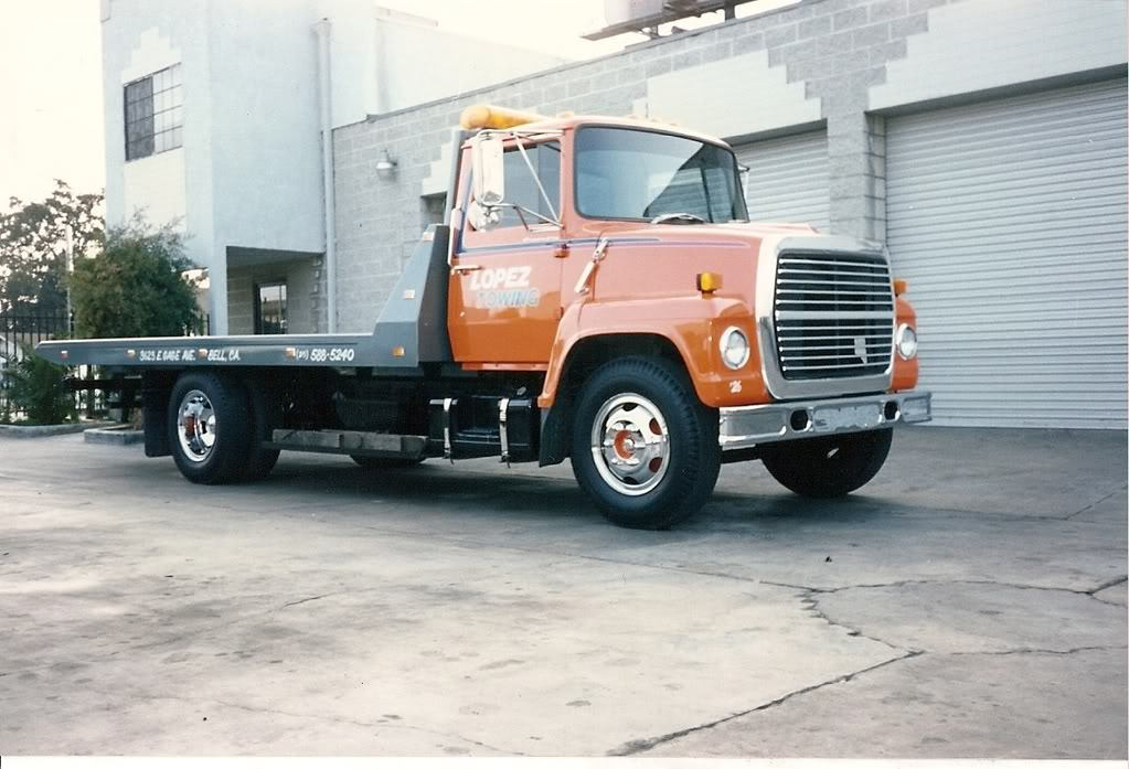 Ford ln-700 photo - 1