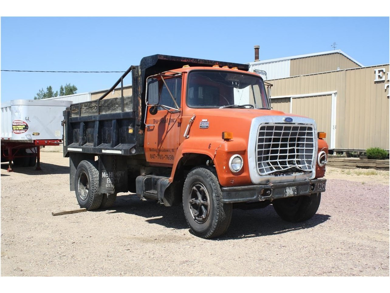 Ford ln-700 photo - 4