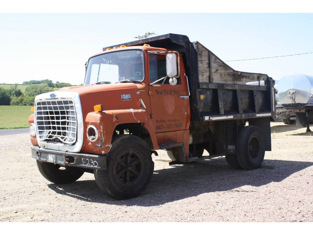Ford ln-700 photo - 5
