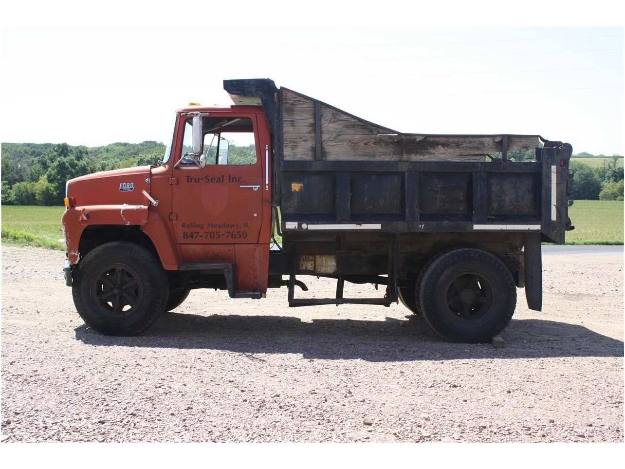 Ford ln-700 photo - 7