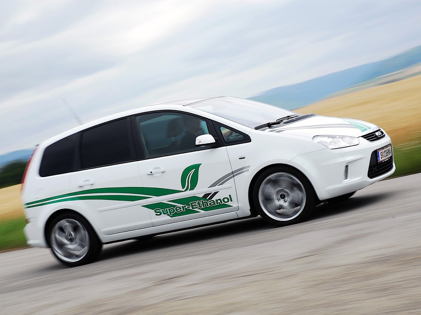 Ford max photo - 10