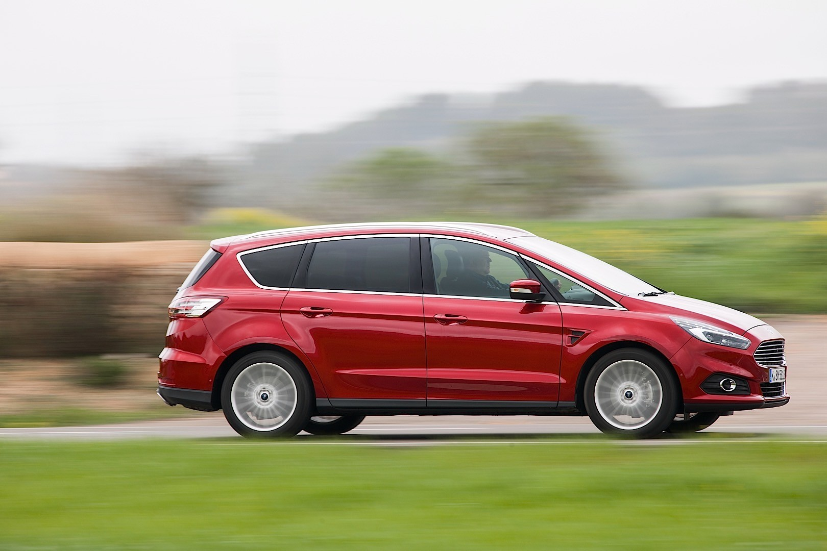 Ford max photo - 7