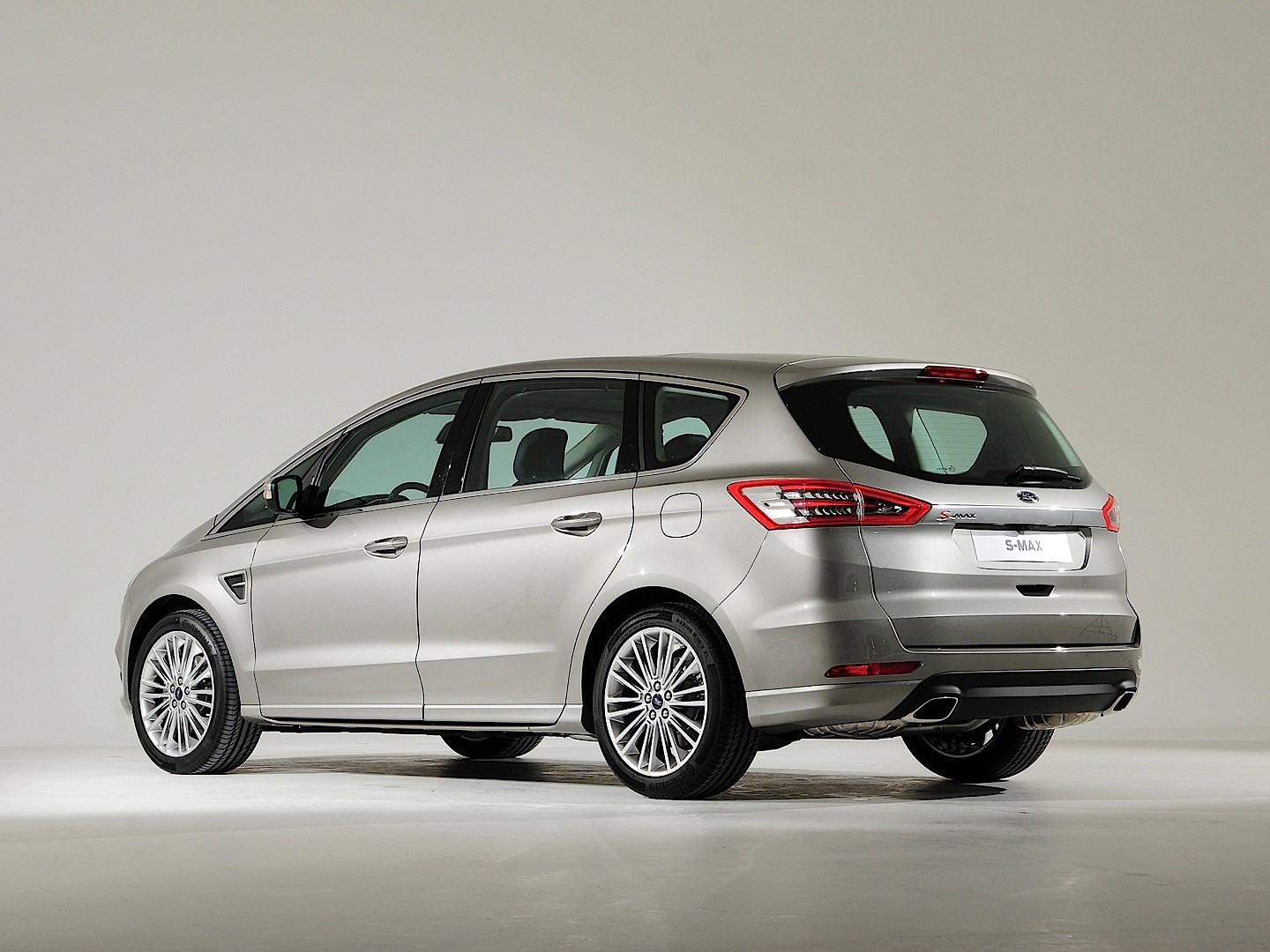 Ford max photo - 8