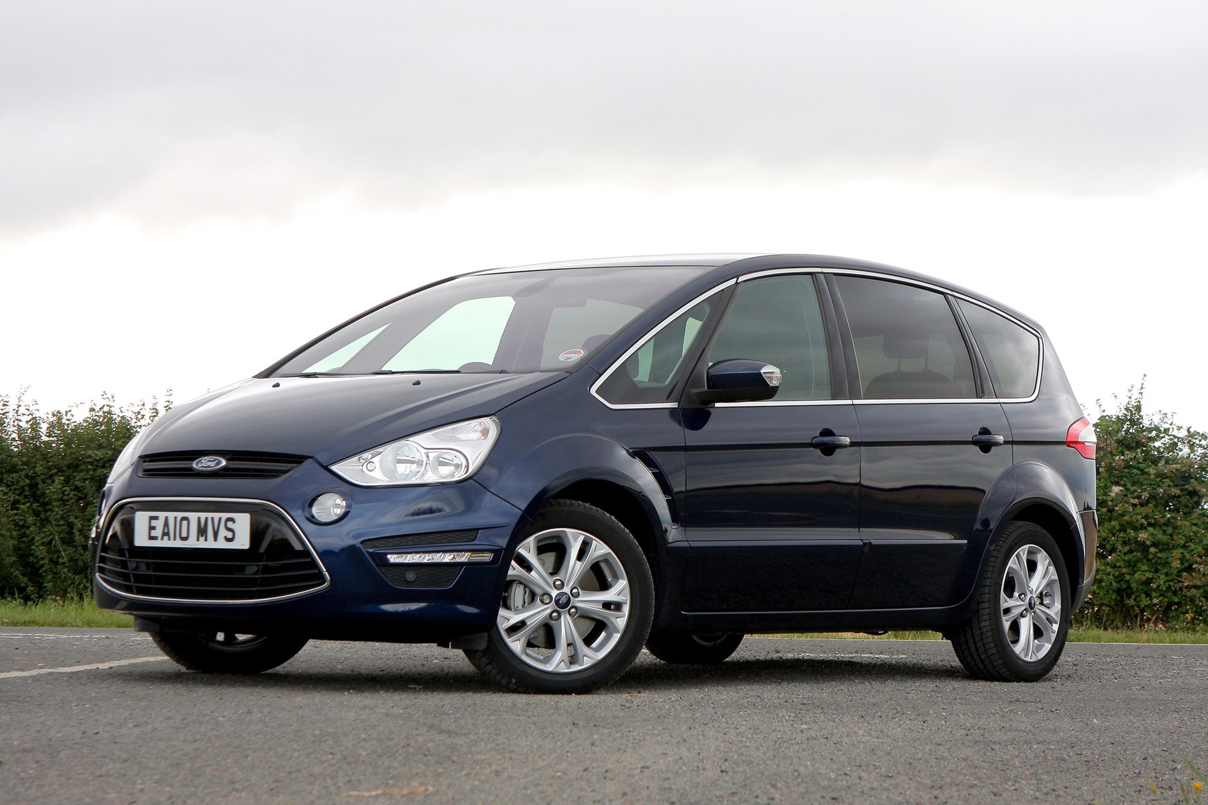 Ford s-max photo - 9